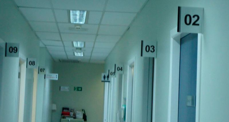 Confecção de placa de sinalização
