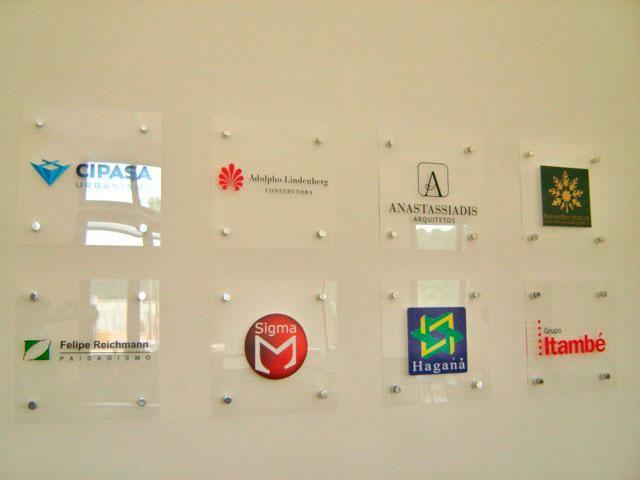 Placas de sinalização de vidro